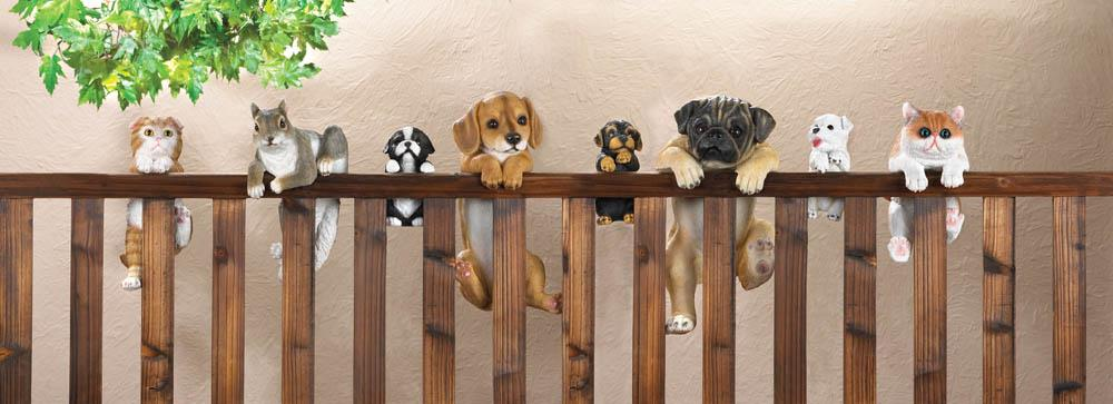 Fence Climbing Pet Decor