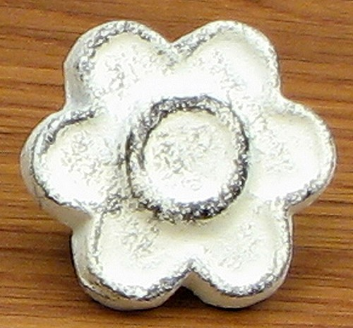 Antique White Flower Drawer Pull Set of 12